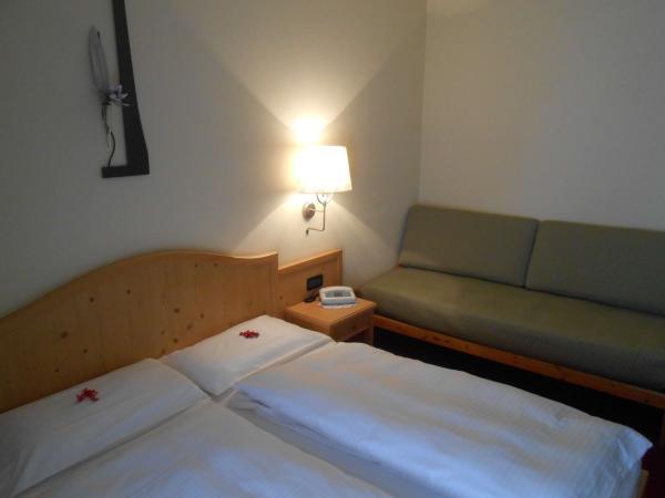 Details of triple room on Hotel del Bosco in Livigno