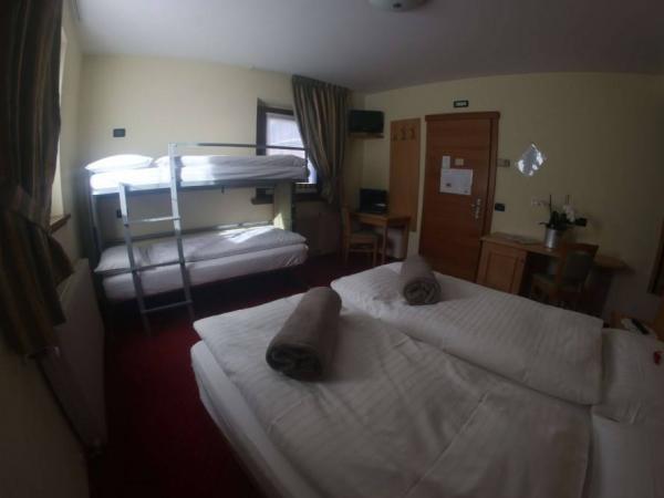 Triple Room of Hotel del Bosco in Livigno